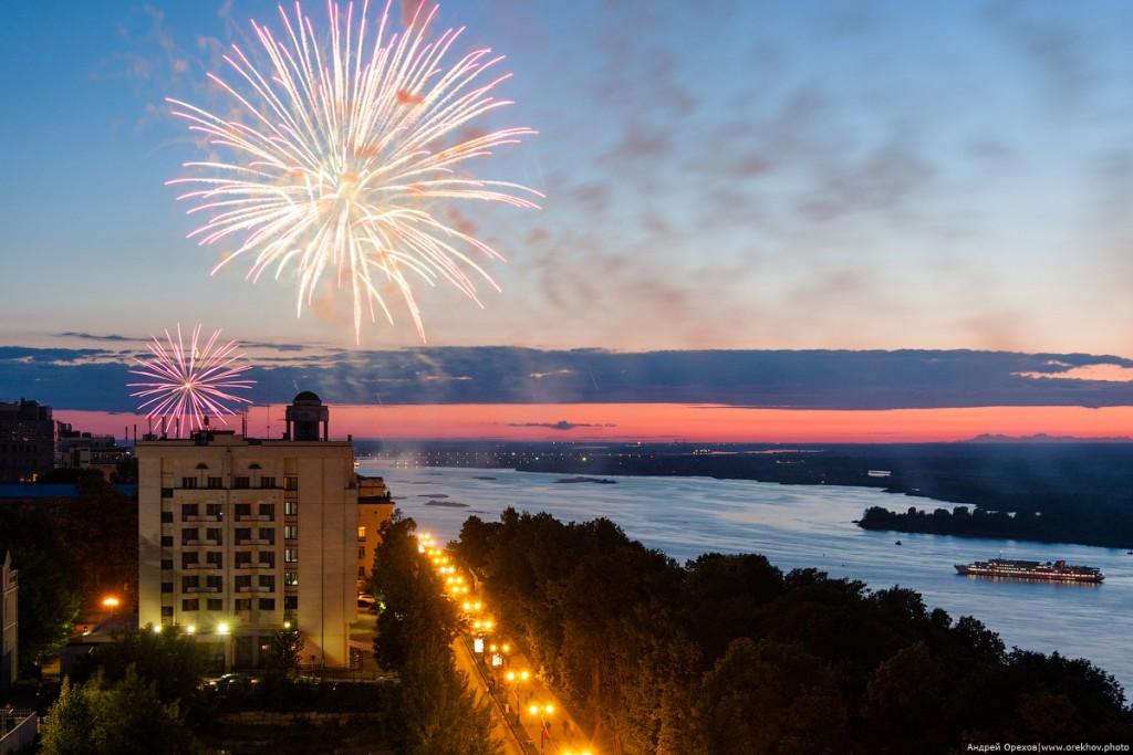 Салют на день города в Нижнем Новгороде